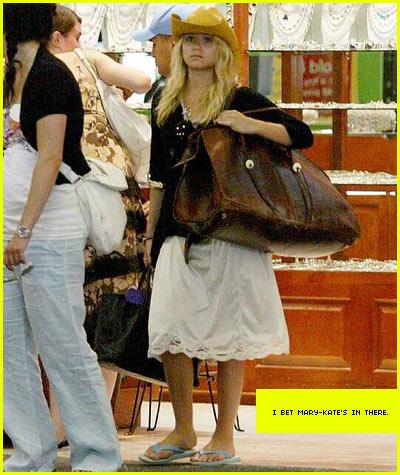 ashley olsen oversized bag bogo style