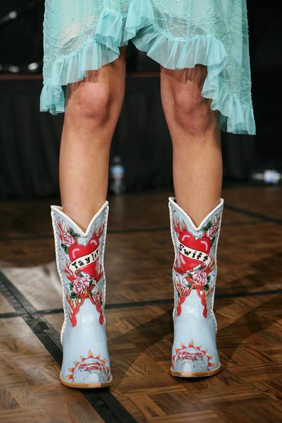 taylor-swift-custom-cowboy-boots