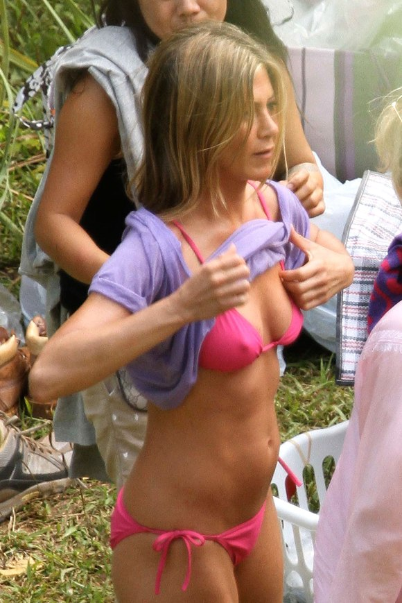 jennifer-aniston-bikini-body