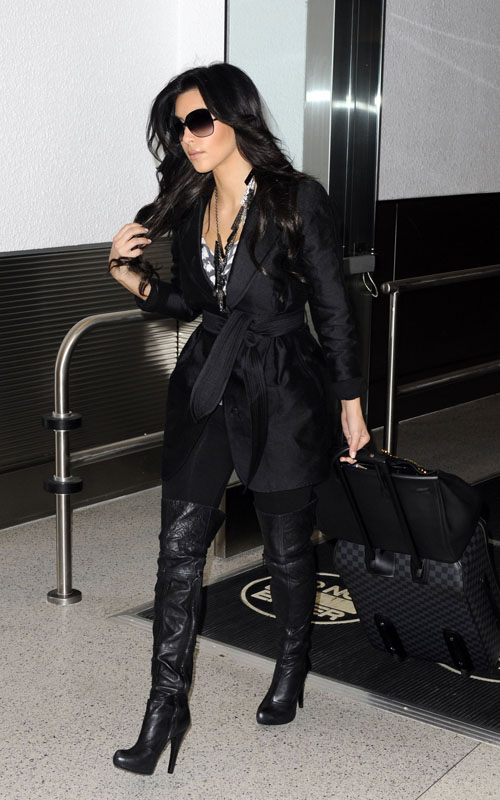 kim-kardashian-trench-coat