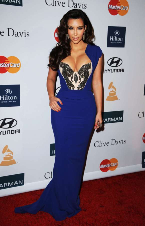 kim-kardashian-dress-blue