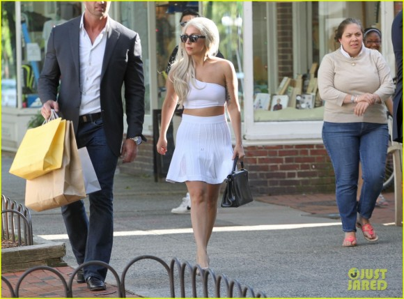 Lady Gaga Shopping