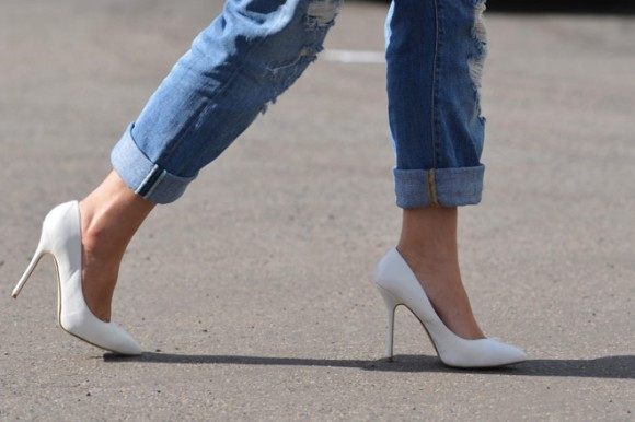 white-pumps-trend-point-toe-white-pumps-white-heels