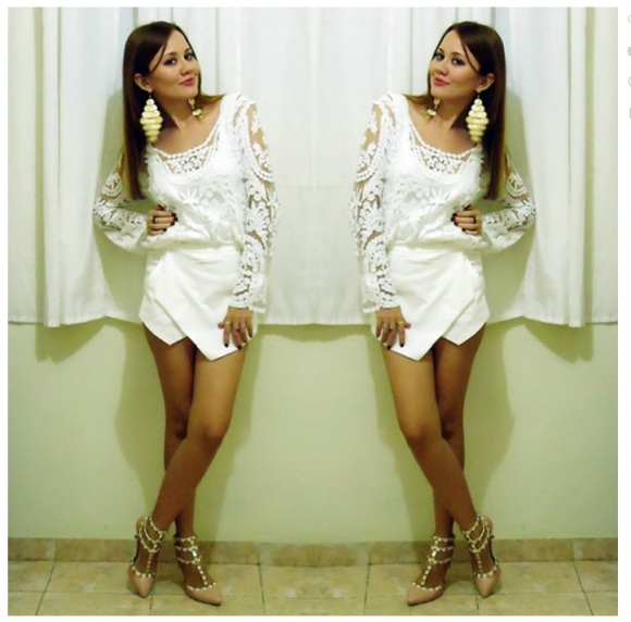 white-skort-long-sleeve-white-lace-topAriadnee Abreu