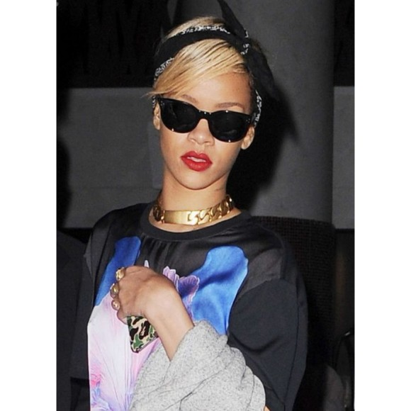 rihanna-riri-gold-id-necklace-fashion-boutique